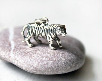 Sterling Silver Tiger Necklace