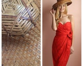 Tiki Time Hat / Woven Vacation Novelty Hat / Authentic Vintage Conical Asian Chinese Straw Rickshaw Coolie Hat