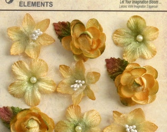 """NEW: Petaloo Mixed Textured Mini Blossoms """"Amber"""" Yellow Mini Flowers. Vintage Style Mixed Small Fabric flowers (9pcs). Appliques"""