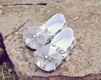 Grey Baby Girl Shoes Toddler Girl Shoes Infant Shoes Soft Soled Shoes grey damask Flower Girl Shoes Summer Shoes Gray Shoes - Ava