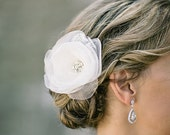 Bridal lace hair accessory - Ivory bridal flower -  Wedding hairpiece - Hair clip and brooch - Rose flower