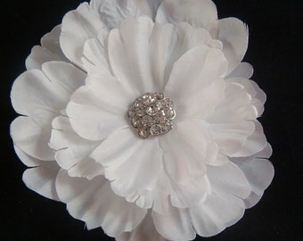 Bridal WHITE hair flower with rhinestones or pearls / pure white flower clip / wedding flower / flower fascinator / rhinestone flower clip