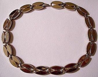 Monet 1940s Necklace Gold Tone Vintage Rice Shape Links Choker Double Rows Foldover Clasp