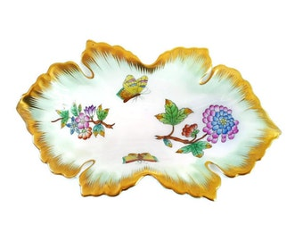Vintage Herend Porcelain Queen Victoria Leaf Shaped Pin or Trinket Dish