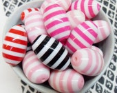 5x Massive 25mm Stripe Pink, White, Black and Red Resin Juicy Barrel Beads