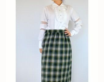 Tartan Plaid Dirndl Skirt Vintage 1970s 30 Inch Waist