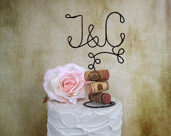 INITIALS Wine Wedding Cake Topper with Corks Base, Cake Topper for the Wine Lovers, Vineyard Wedding Cake Decoration, Rustic Wedding Decor