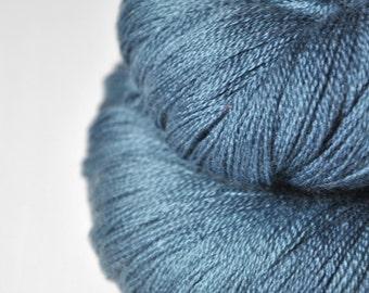 Hazy winter sky - Merino/Silk/Cashmere Fine Lace Yarn