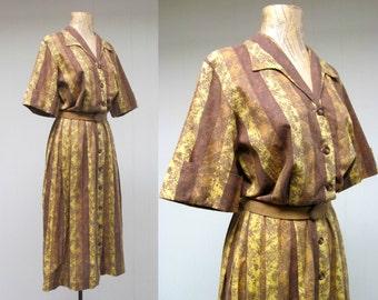Vintage 1950s Dress / 50s Gold Striped Cotton Shirtwaist Dress / Medium