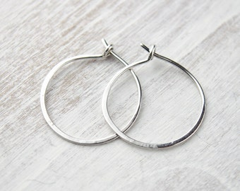 Classic Sterling Silver Hoops, Hammered Sterling Silver Hoops, Tiny Hoop Earrings, Silver Wire, Minimalist, Modern Jewelry, Gift, EA003