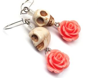 Day of the Dead Dia de los Muertos Frida Kahlo Señorita Peach Rose Skull Dangle Hypoallergenic Earrings