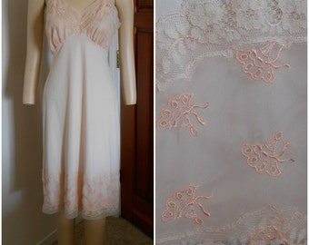 Vintage 60's Van Raalte Peach Full Slip Accented with Embroidered Fans size 36