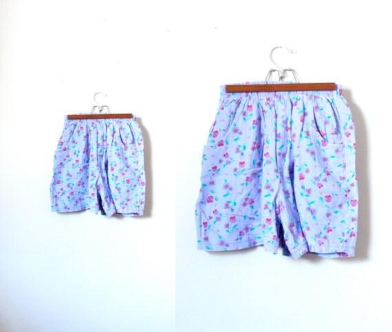 ON Hold: 50% OFF Vintage high waist floral shorts