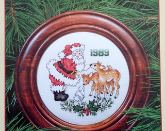 Stoney Creek Collection 1989 SANTA CHRISTMAS PLATE - Counted Cross Stitch Pattern Chart