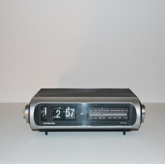 Clock Radio Vintage Soundesign Flip Clock Radio Alarm Clock