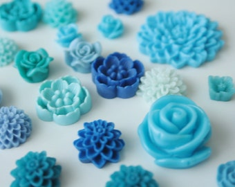 25pc Blue Resin Flower Cabochon Mix, Mixed Resin Cabochons to Make Earrings, Rings, and Hairpins