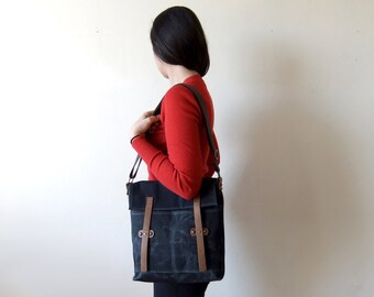 Black Waxed Canvas Messenger Bag - Leather Closures - Brown Adjustable Cotton Strap - Everyday Shoulder Bag - Waterproof - Father's Day Gift
