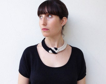 Choker, statement necklace, textile jewelry - The colorblock knot necklace - handmade in ivory & black fabric