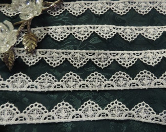 "1 Yd. Gorgeous Vintage Victorian French Embroidered Scalloped Schiffli Venise Lace  3/4"" ""Wide"