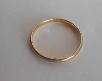 Antique 10K Child Size 5.5 inches Hand crafted Woman Bangle Bracelet 4. Grams