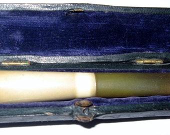 Unique Antique Vintage Collectable CIGARETTE HOLDER in CASE circa 1930s