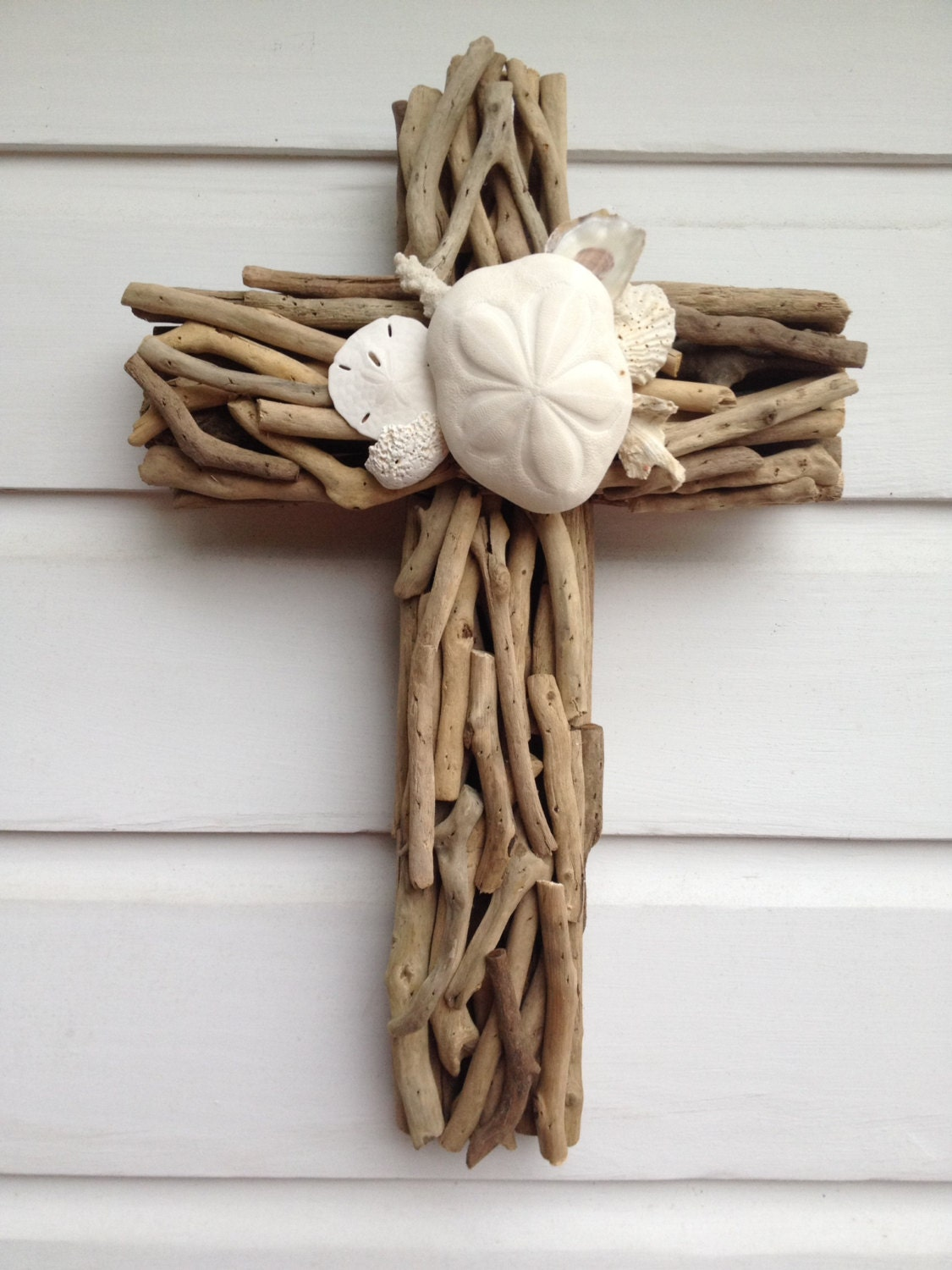 driftwood seashell cross beach house wall decor. Black Bedroom Furniture Sets. Home Design Ideas