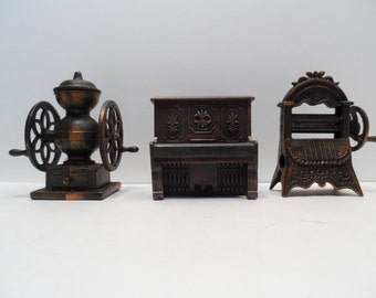 Vintage Die Cast Metal, Miniature Coffee Grinder, Piano and Wringer Washer  Pencil Sharpeners