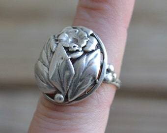 Bold retro antique art deco rose floral bouquet sterling silver cocktail ring