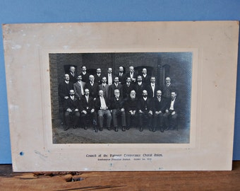 1910 photo of the Council of the National Temperance Choral Union , Edwardian gentlemen in suits Welsh male choir