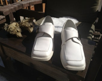 Snazzy Bright White Players Leather Loafers with Silver Buckle and Logo Size 7 Mens