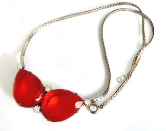 Red Rhinestone Necklace Unique Vintage Collectible 1960s Retro Modern Open Backed Faceted Glass Brilliant Red Jewelry For Women