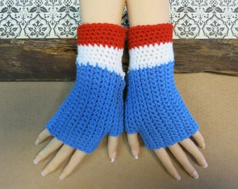 Fingerless Football Gloves, Bulldogs Crochet Wool Wrist Warmers in Blue White And Red, Australia, AFL Western Bulldogs