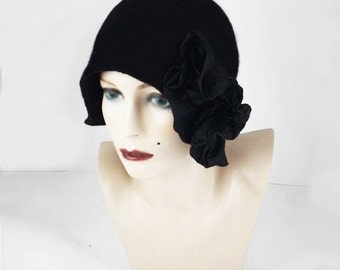 BLACK CLOCHE HAT 1920s Hat Felt Hat Cloche Flapper Hat black hat art deco noir wearable art art deco wool felt nunofelt nuno felt silk