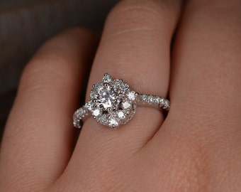 Art Deco-Inspired Diamond Ring with Diamonds at Cardinal Points (18K White Gold)