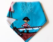 Baby bandana bib - Little pirate - baby boy - baby shower gift - handmade in canada