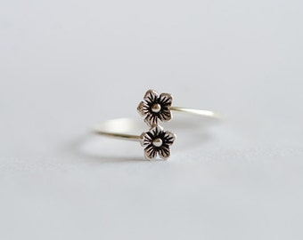925 Sterling Silver Little Flower Adjustable Lovely Tail Ring 015
