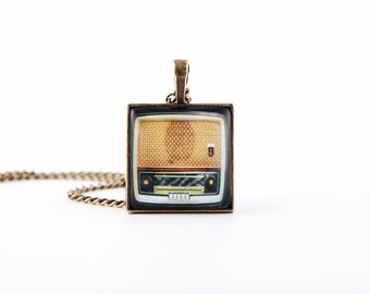 Necklace - Old Radio - brown and beige,vintage style