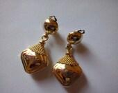 Vintage metal, golden tone clip statement earrings, drop earrings, retro earrings,  (11p-15) (koyt 1)
