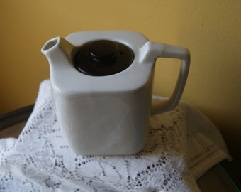 Vintage Goblin Square Teapot, Teasmade, Made in England, Creamy White with Chocolate Brown Lid, Mod Design, 1960s, 1970s
