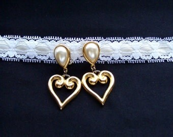 Vintage Pearl and Gold Heart Earrings - Heart Earrings - Pearl Earrings - Wedding Earrings - Valentine Earrings - JS Earrings
