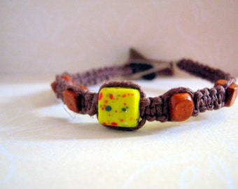 Natural Brown Hemp Bracelet with Cube-Shaped Beads