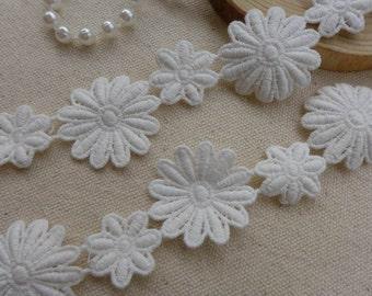 Cotton Lace Applique, Pretty Daisy Flower, White Lace Trim, Bridal Wedding Flower Applique Lace