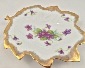 Lefton leaf dish, Lefton violets plate, collectors Lefton leaf design, Lefton violet leaf dish