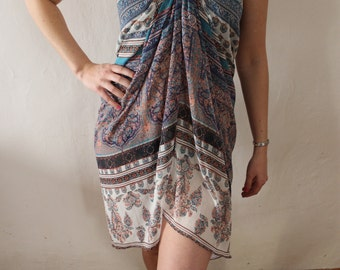 Beach Sarong with Necklace, Portuguese Print