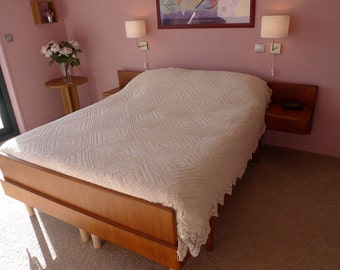 205 cm x 230 cm crochet bed covers