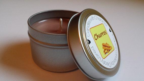 CHURROS - bougies avec caractère | Bougie de cire de soja | Versé de main | Parfumée de Disney | Faveurs de mariage | Cadeau | Tin de voyage | Rue Main