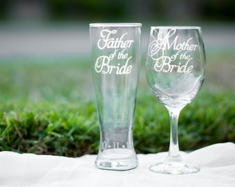 Gift for Mother and Father of the Bride, Toasting Glasses with Wedding Date, Choose Wine, Beer or Whiskey Glass, Hand Engraved Set of 2