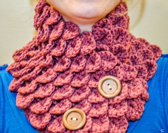 Vintage Rose Cowl with wooden buttons
