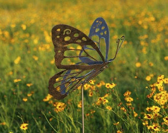 Outdoor Garden Decor - Natural Steel - Garden Decor - Monarch Butterfly Garden Stake (Medium)