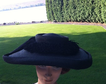 Vogue Avant Garde 1940s Black Square Brim Hat